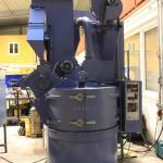 Automatische Strahlkabine mit Edelstahlkorn